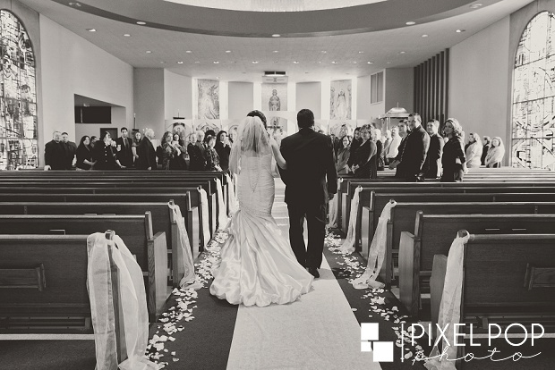Pixel-Pop-Photography-Youngstown-wedding-photographers-Boardman-wedding-photographers-Saint-John-Greek-Orthodox-Church-wedding-Boardman-Park-wedding-The-Lake-Club-of-Ohio-wedding-reception0011.jpg