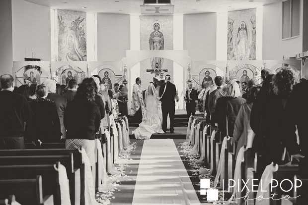 Pixel-Pop-Photography-Youngstown-wedding-photographers-Boardman-wedding-photographers-Saint-John-Greek-Orthodox-Church-wedding-Boardman-Park-wedding-The-Lake-Club-of-Ohio-wedding-reception0016.jpg